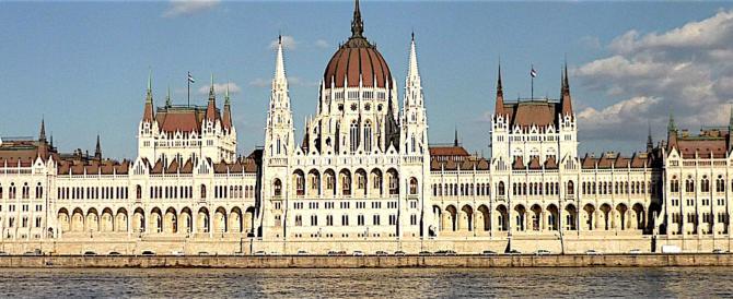 L'Ungheria: faremo leggi severe contro le Ong che aiutano i clandestini