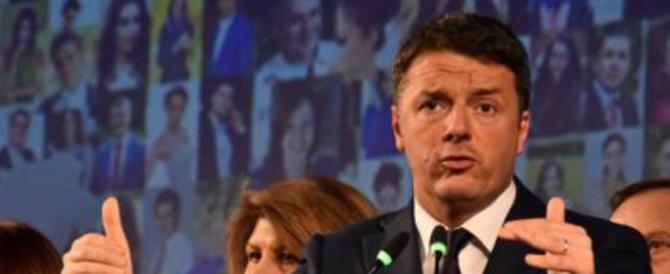 Renzi disperato: attacca i capelli di Berlusconi e parla come la Boldrini