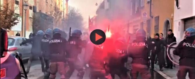Piacenza: scontri con gli antifascisti, botte selvagge al carabiniere a terra  (video)