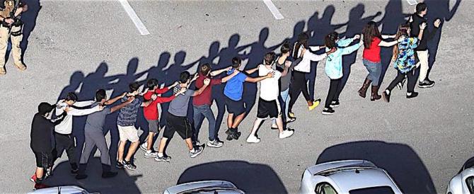 """""""Domani faccio una strage a scuola"""": polizia Usa a caccia di emulatori"""