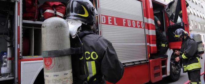 Rogo a Milano in un palazzo di 13 piani: gravissimo un ragazzino 13enne