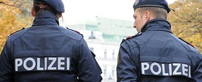Torna l'incubo terrorismo. Quattro accoltellati da un uomo a Vienna