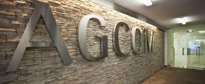 Cambridge Analytica, l'Agcom chiede informazioni a Facebook