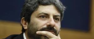 Il grillino Fico gioca a sfasciare il governo: «Ong straordinarie, i porti vanno aperti»