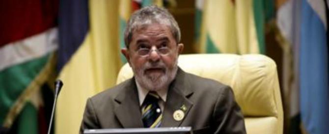 Spari contro la carovana elettorale di Lula. E lui: «Sono stati i fascisti»