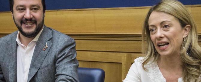 Meloni e Salvini contro l'espulsione dei diplomatici russi: «Un errore»
