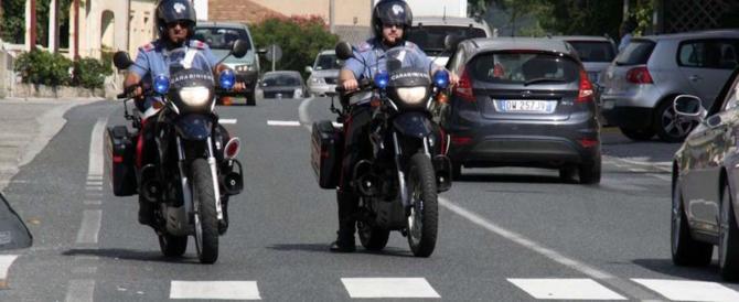 Terrore in strada, tunisino insegue la fidanzata col coltello: è un clandestino