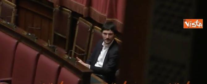 M5S, il neodeputato Cecconi: ho firmato per dimissioni, ma era carta igienica… (video)