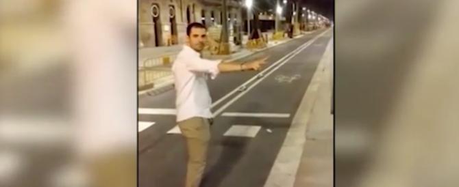 Barcellona, prese a calci una donna in strada, ora rischia tre anni di carcere (video)