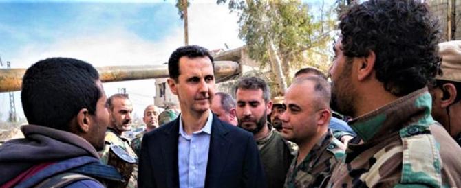 Il presidente Assad in visita a sorpresa nel Ghouta liberato dall'isis (video)