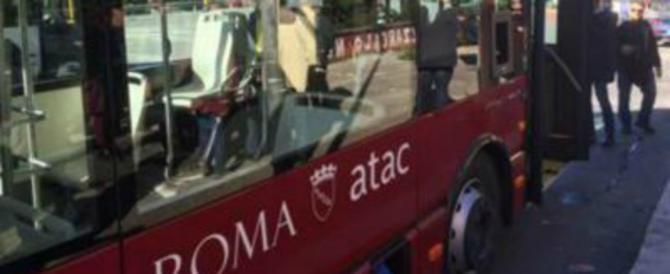 Roma, molestia sessuale sull'autobus: tunisino mostra i genitali a una ragazza