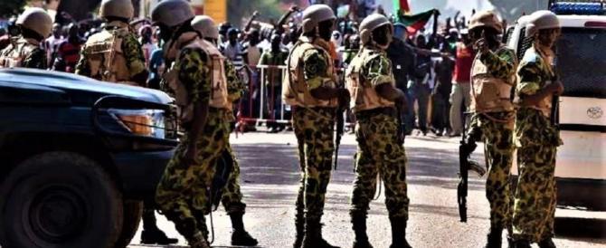 I terroristi islamici fanno strage in Burkina Faso: 30 morti e 80 feriti