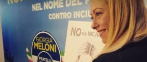 Meloni a Di Maio: «Non sei Batman». E gli dedica una canzone (video)