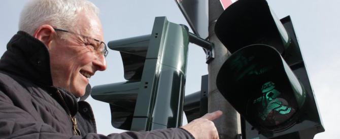 """Treviri, Marx """"dirige il traffico"""": per il bicentenario la città lo mette sui semafori"""