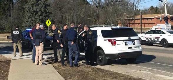 Michigan, sparatoria all'università: due morti. Assalitore in fuga, «è pericoloso»