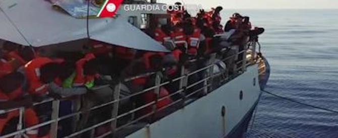 Catania, la Procura sequestra la nave di una Ong: favoriva gli scafisti