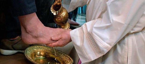 Papa Francesco laverà i piedi anche a due detenuti musulmani