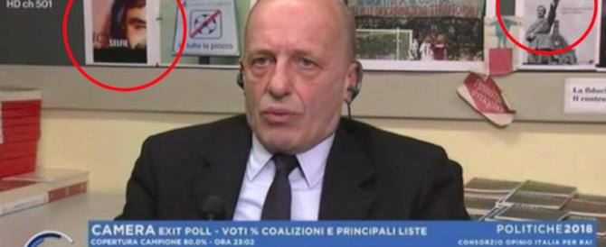 """Bocelli e Hitler dietro la scrivania del direttore: Sallusti svela il """"giallo"""" (video)"""