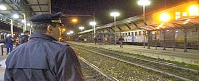 Monza, 19enne violentata in stazione: i passanti la salvano dalle grinfie del tunisino