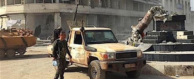Gli invasori turchi si abbandonano a saccheggi e violenze ad Afrin. Come l'Isis
