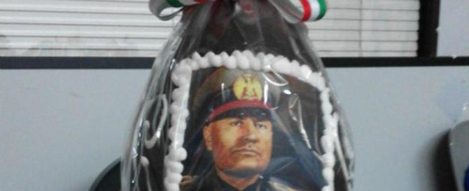 Perfino l'uovo di Pasqua di Mussolini in vetrina fa arrabbiare i partigiani…