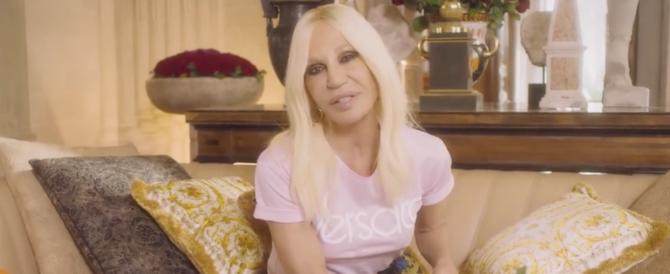 «Pellicce? Ne ho abbastanza»: Versace dice no alla crudeltà sugli animali