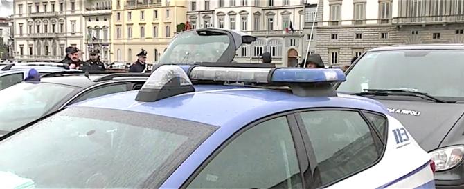Firenze: il sindaco Nardella cacciato a sputi e spinte dai senegalesi (video)