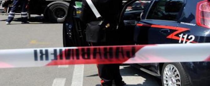 Tragedia a Forlì, spara e uccide la figlia disabile. Poi punta l'arma contro di sé