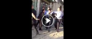 Cina, ex allievo fa strage in classe a colpi di coltello: 7 morti (video)