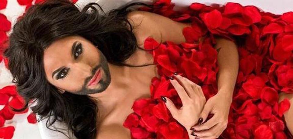 """Conchita Wurst confessa: """"Sono positiva all'Hiv e un mio ex mi ricatta"""""""