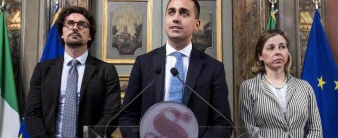 Di Maio apre: «Disponibili a contratto di governo. Ma dobbiamo firmarlo io e Salvini»