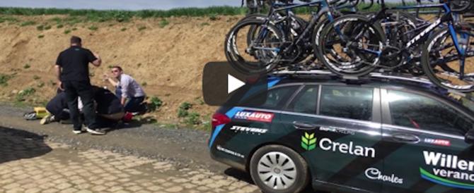 È morto Goolaerts, il ciclista colto da infarto alla Parigi-Roubaix. Gli ultimi momenti (video)