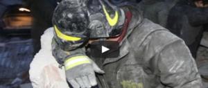 L'Aquila, 9 anni dopo: le immagini del terremoto e il ricordo delle 309 vittime (VIDEO)