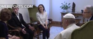 Il Papa riceve il padre di Alfie Evans. Il Vaticano chiederà asilo per il bimbo (video)