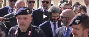 Anche Fico ci tiene ai privilegi: primo tra tutti la passeggiata con 20 uomini di scorta (video)