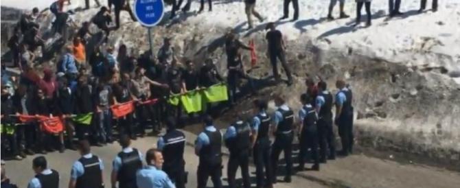 Migranti, scontri al confine tra antagonisti e francesi di Gioventù Identitaria