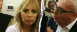 Fantoccio del Duce: Mussolini sfiora la rissa col sindaco di Macerata (video)