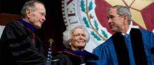 """È morta Barbara Bush, """"mamma"""" di un'America che non c'è più"""
