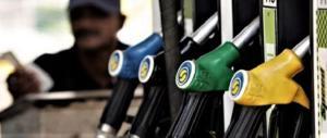 Ultimo scherzo del governo Pd: ponte con rincari per i carburanti