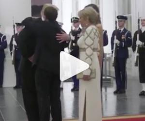 Brigitte Macron si lagna della dura vita da première dame: «Non ho tempo per me» (video)