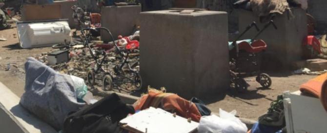 Rifiuti e macerie: ecco come sono state ridotte le casette del campo rom