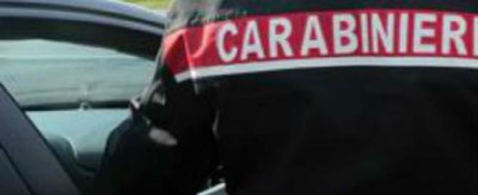 Folle sparatoria in Calabria: un morto e tre feriti. I carabinieri sulle tracce del killer
