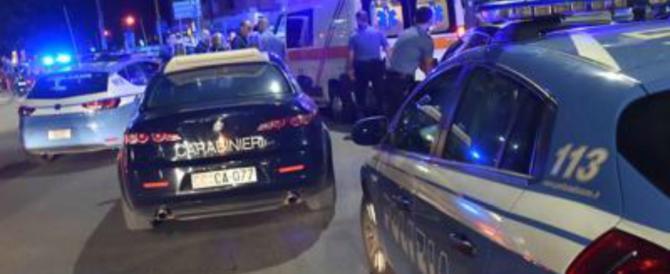 La rapina finisce nel sangue: uno dei ladri trovato morto (e incappucciato) in auto (VIDEO)