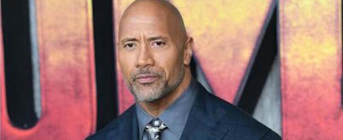 """The Rock"" commuove i fan: «Salvai mia madre dal suicidio e poi…»"