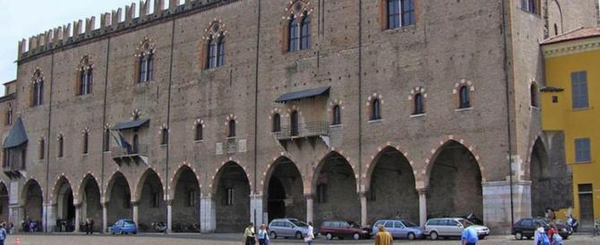 A Pasquetta chiuso palazzo Ducale di Mantova. Scandalo targato Pd