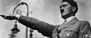 Prof accusato di aver fatto gli auguri a Hitler: «Non avete capito niente»