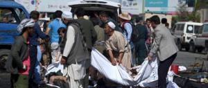"""Sanguinoso attentato nell'Afghanistan """"liberato"""": decine di morti e feriti"""