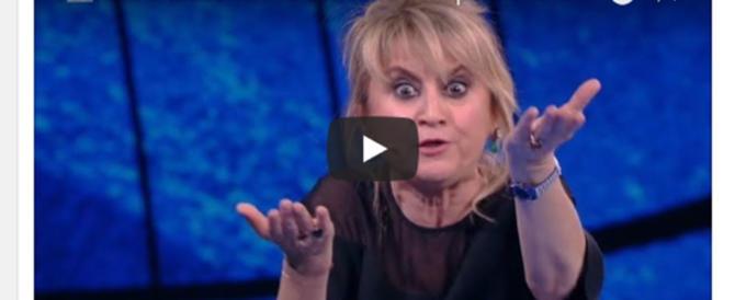 """Tornano le volgarità della Littizzetto: """"Il voto? Tappatevi il buco…"""" (video)"""