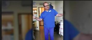 Il pediatra tedesco diventato una star del web