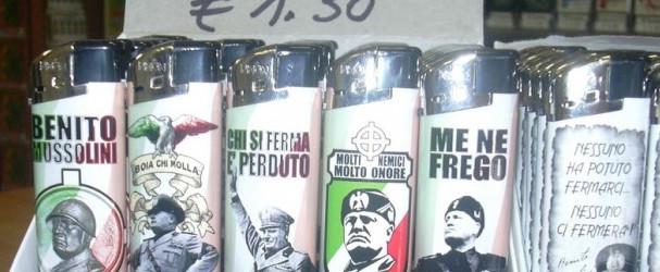 Bologna mette fuori legge gli accendini con il Duce. Botta e risposta tra Salvini e Merola